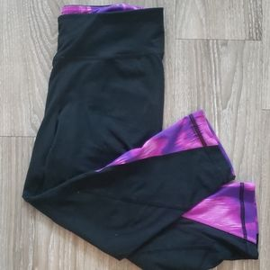 Gently Used Under Armour Capris Sz Small